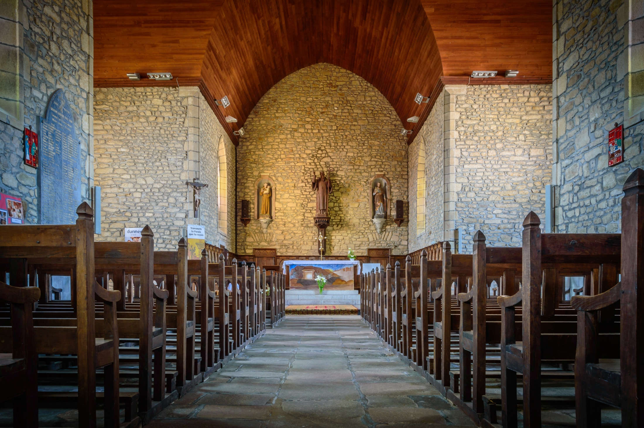 PLOUGOUMELEN l'église